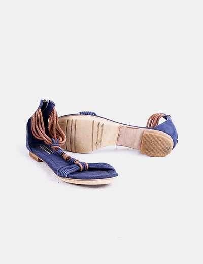 Sandalia plana azul marina y marron