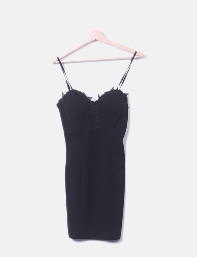 Vestido ceñido negro estilo corset
