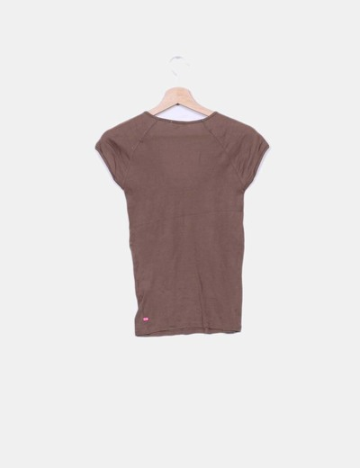 Top marron manga corta