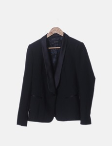 c496369f05b Blazer negra con cuello satinado Zara