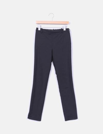 Pantalón  tobillero cremallera lateral  Zara