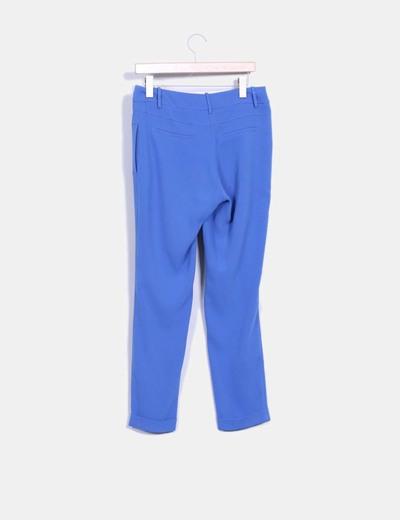 Pantalon azul con caida