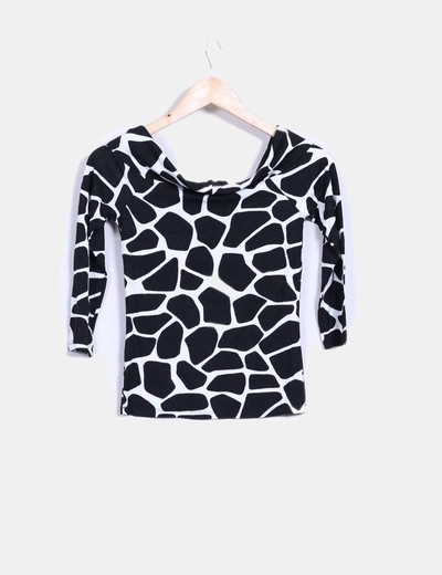 Camiseta black and white estampada