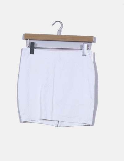 Mini falda blanca texturizada