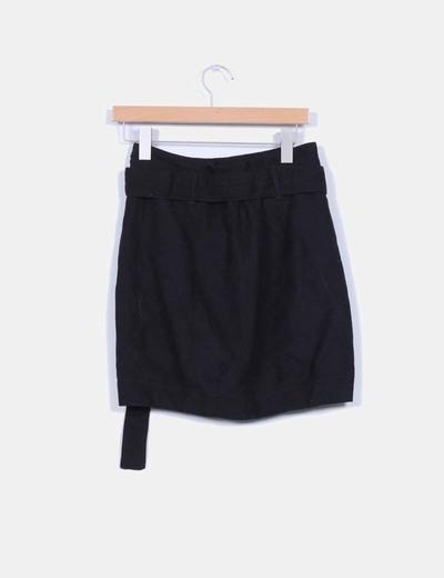 Falda negra doble botonadura