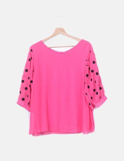 Blusa rosa con lunares