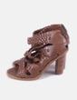 Sandalia marrón trenzada Zara