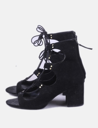 Sandalia negra abotinada lace up