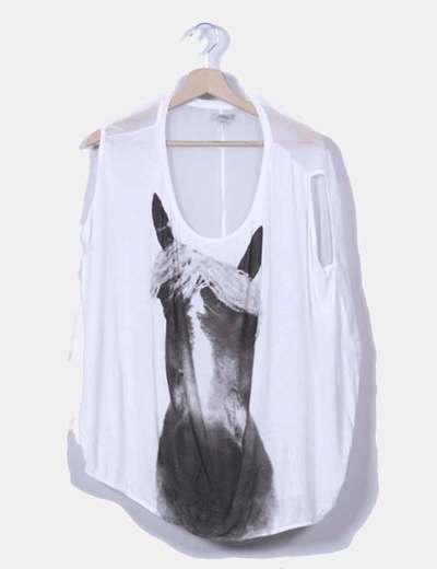 Camiseta blanca print caballo Zara