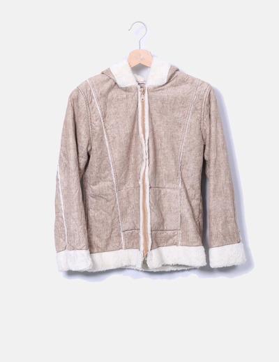 Chaqueta beige con capucha combinada con pelo NoName