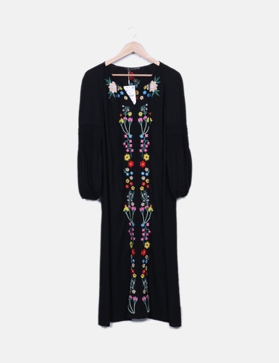Vestido negro con flores bordadas zara