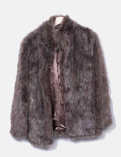 Abrigo de pelo sintético marrón