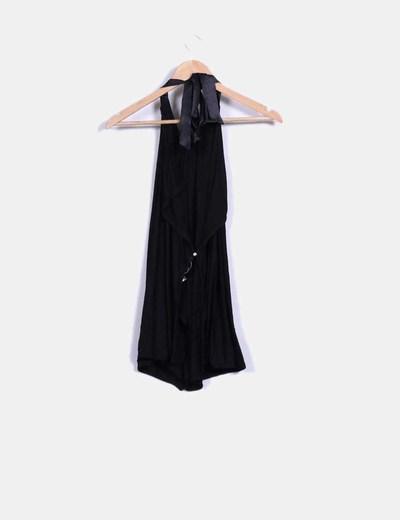 Blusa negra elastica halter abertura espalda