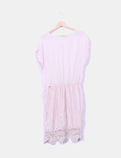 Vestido color nude detalle crochet