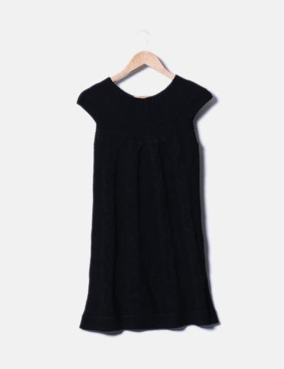 Vestido negro de punto con strass