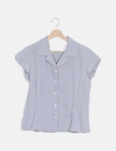 Camisa gris claro manga corta