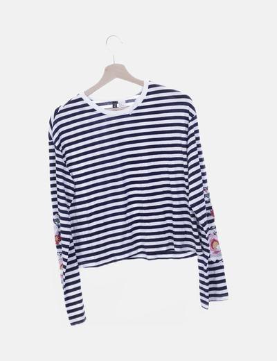 Camiseta azul marino rayas