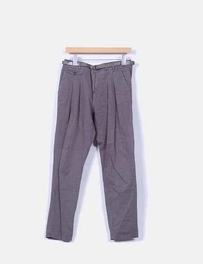 Pantalón de pinzas gris con cinturón Zara
