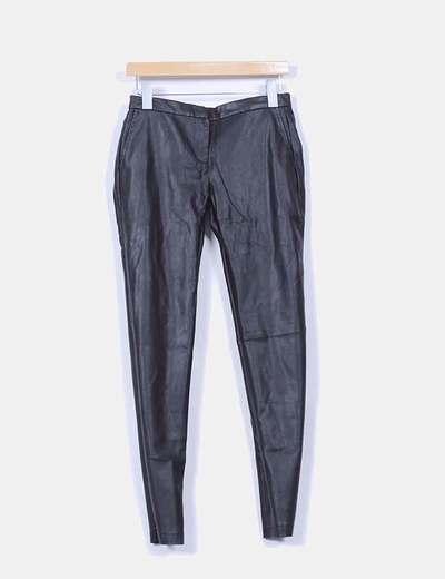 Pantalón polipiel negro Pull&Bear