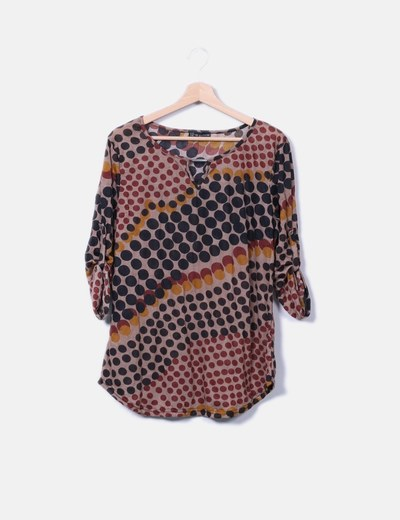 Camiseta marron estampada