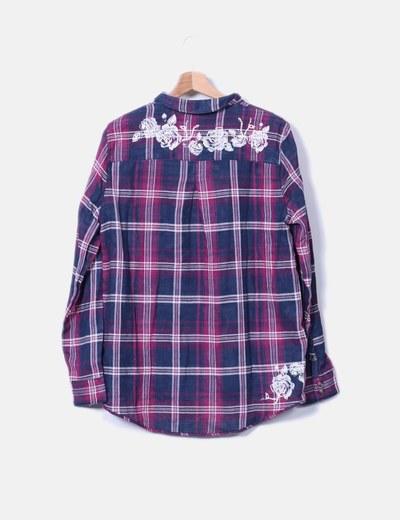 Camisa de cuadros azul y rosa