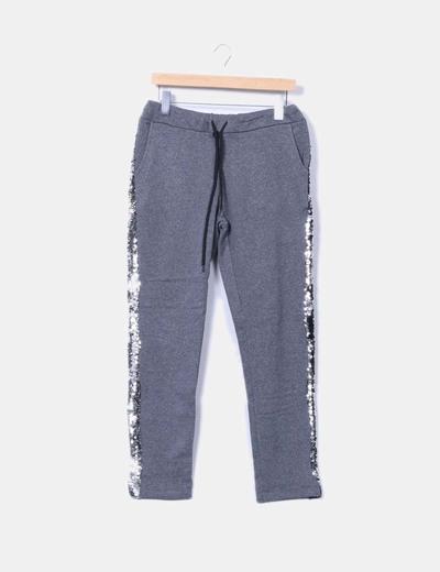 Pantalón gris felpa con pailettes NoName