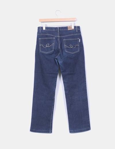 Jeans oscuro corte recto