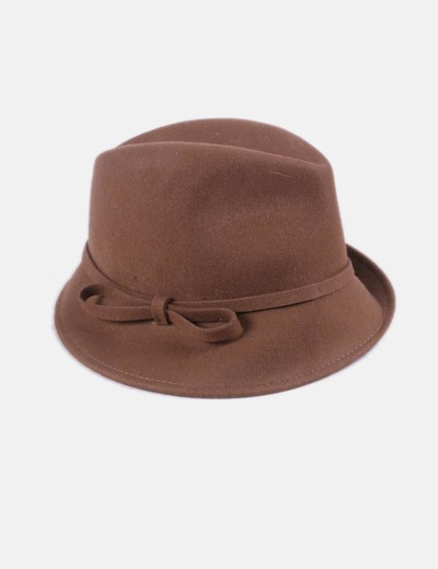 Sombrero marrón con lazo
