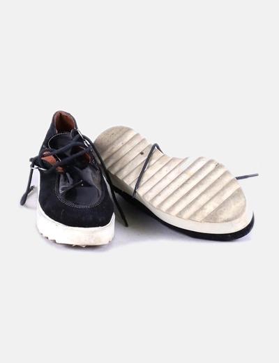Zapato negro con plataforma