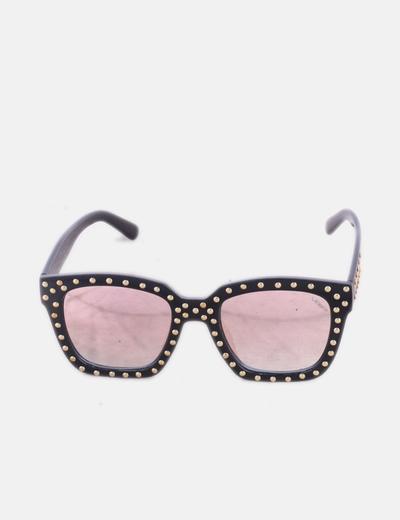Gafas de sol cuadradas negras con tachas