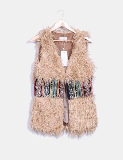 Chaleco étnico bordado con pelo de rizo La Morena