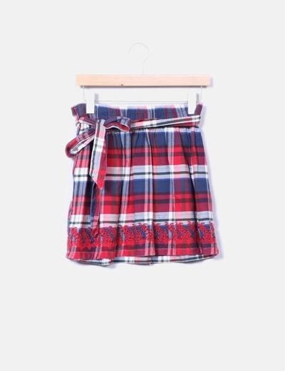 Falda cuadros rojos
