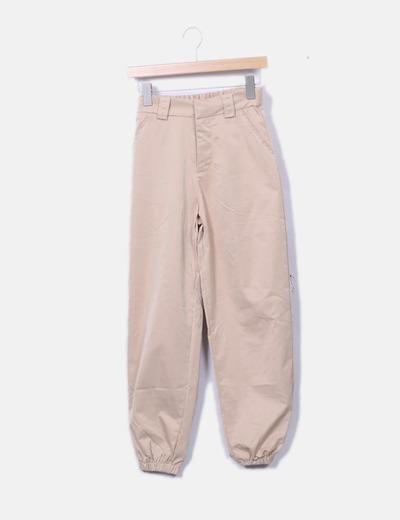 Pantalón jogger beige