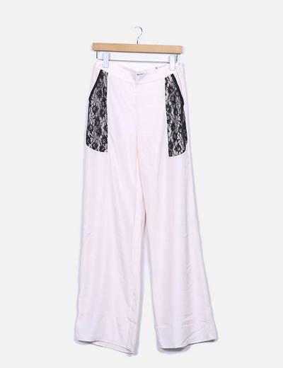 Pantalón fluido rosa palo con encaje
