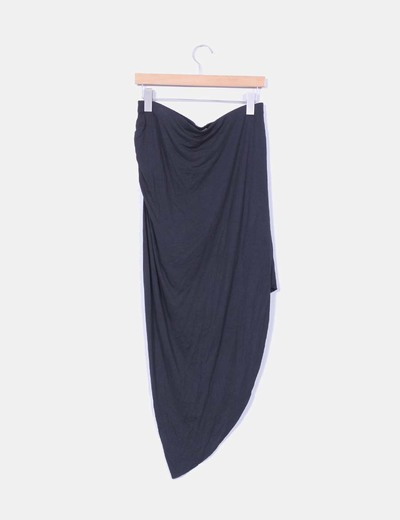 Falda maxi negra drapeada tail hem