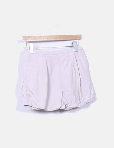 Shorts nude con bolsillos