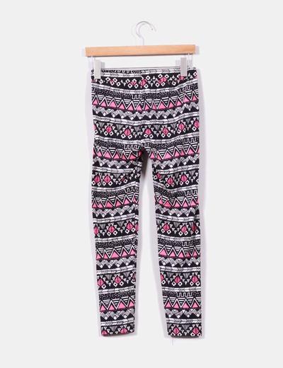 No te pierdas nuestros pantalones, esenciales en ropa de mujer. Leggings cómodos y elegantes. Dentro de los leggings (también llamados leggins o mallas), no puedes perderte la gran variedad que vas a encontrar en Venca. Tienes leggings de colores, vaqueros, de efecto piel o cuero y un sinfín de modelos en varias texturas y tejidos.4/5(K).
