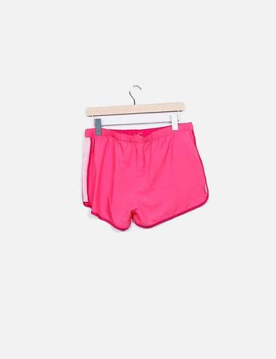 Shorts deportivo fucsia