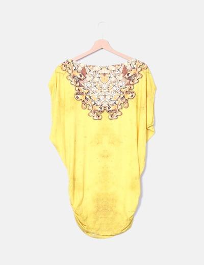 Camiseta amarilla print con strass