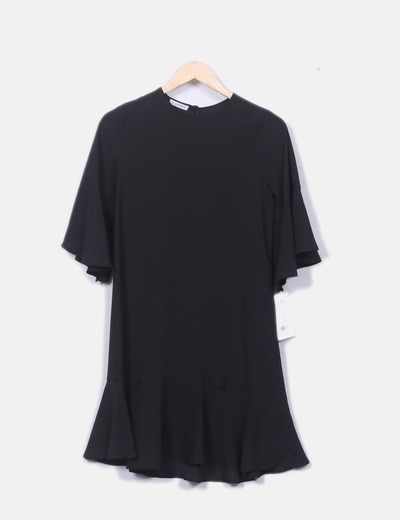 Vestido negro fluido manga vuelo