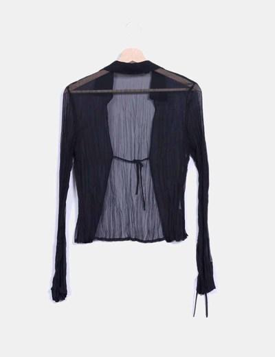 Blusa negra texturizada