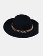 Sombrero fieltro negro con cadena NoName