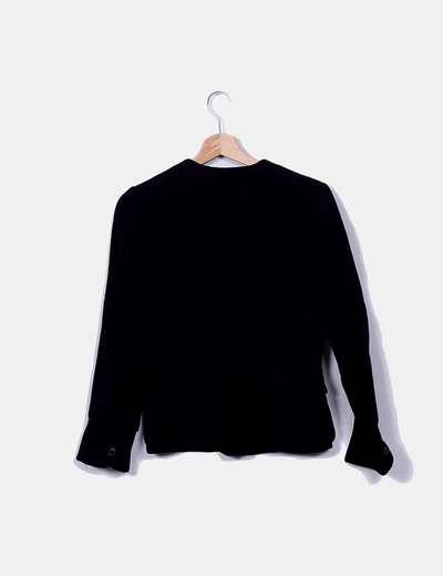 Chaqueta tricot negra con bolsillos y botones