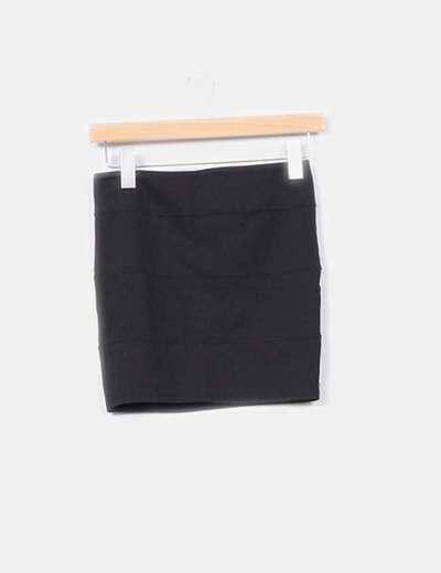 Mini falda elástica detalle costuras  Stradivarius