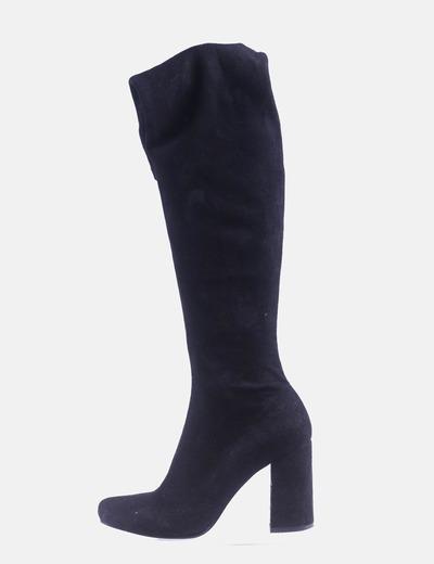 Maxi bota negra con tacón