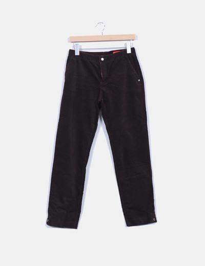 Pantalón burdeos de micropana Kleymac
