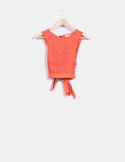 Top naranja de crochet