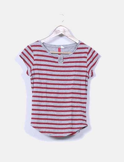 Camiseta gris con rayas rojas H&M