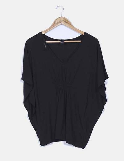 Camiseta negra con manga mariposa H&M