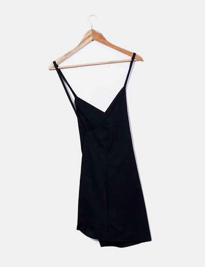 Vestido negro espalda cruzada